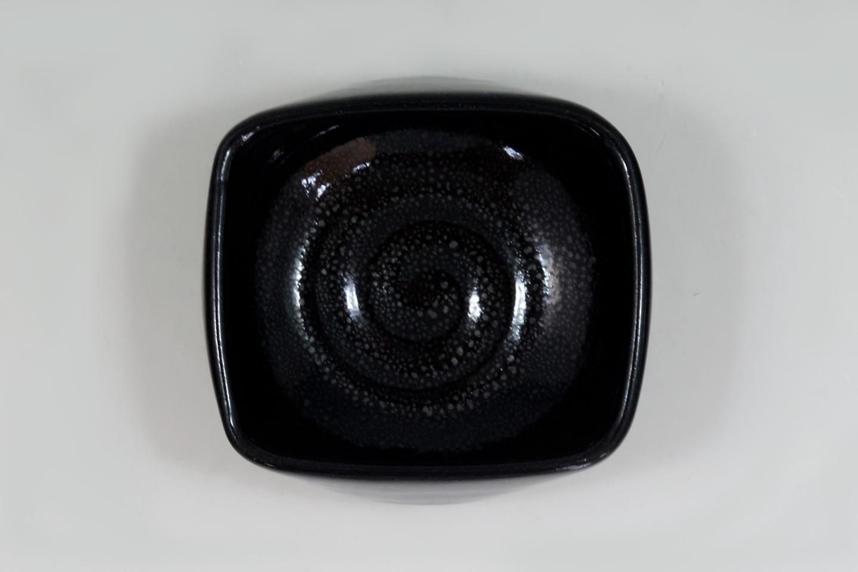 tkz0048